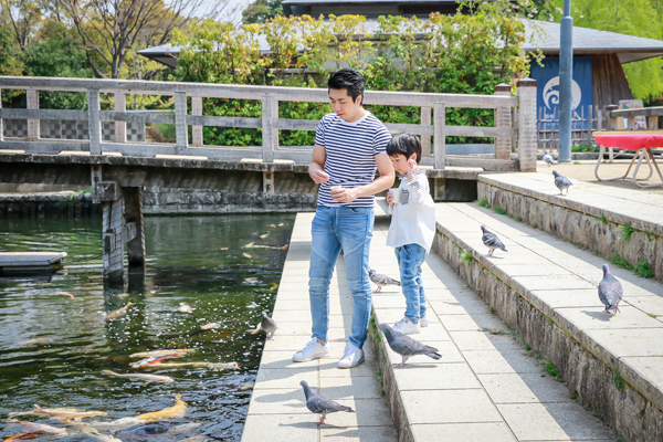 Family photo shoot at Shiratori  Garden, Nagoya, Aichi, Japan