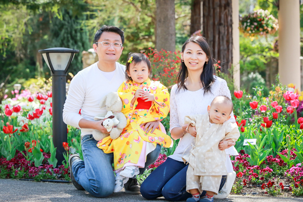 Family photo shoot for a client from Hong Kong❤ with cherry blossom 櫻花🌸 and tulips, Nagoya, Japan