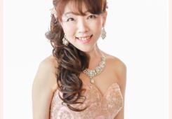 ピアニスト・鈴木久美子 プロフィール写真撮影 ドレス姿 ピアノリサイタルちらし・ポスター用 音楽家写真撮影