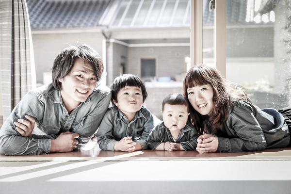 新築記念の家族写真 愛知県瀬戸市