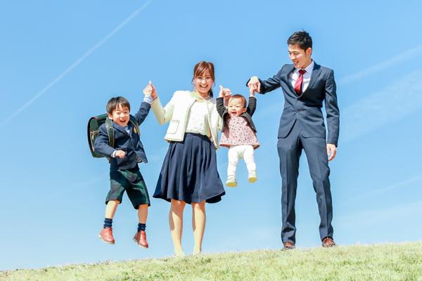 家族写真 青空バック