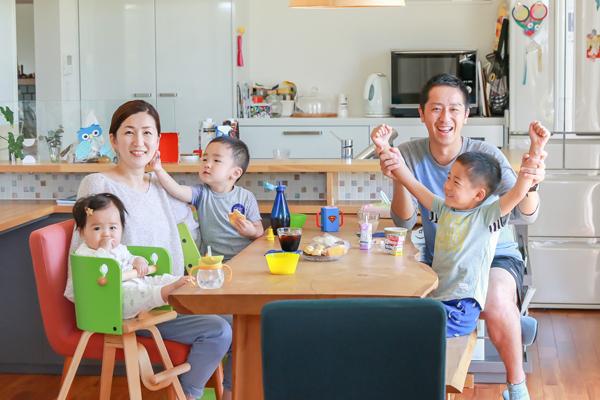 自宅で家族写真を出張撮影