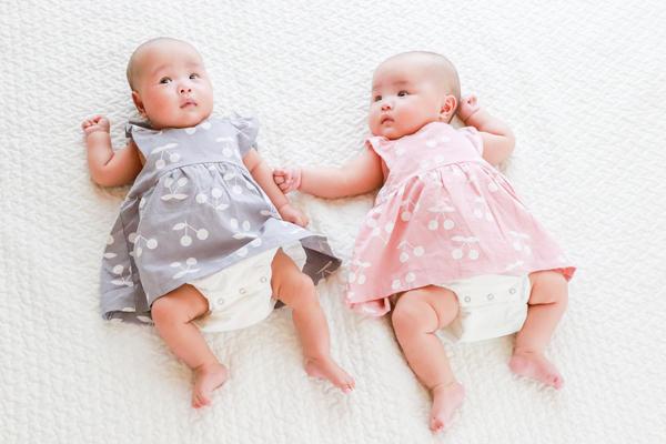 双子姉妹の赤ちゃんの100日祝い お食い初め料理はママの手作り!