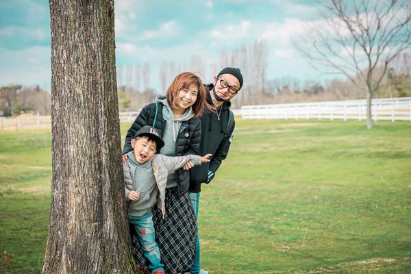 ブルーメの丘で家族写真 出張カメラマン