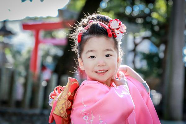 川原神社で七五三 日本髪が見事な女の子 名古屋市