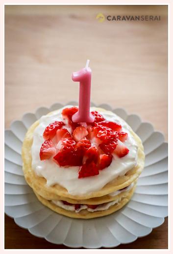 手作りバースデーケーキ 1歳のお誕生日の女の子 イチゴ