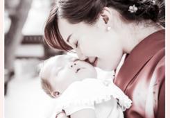 お宮参り 着物姿のママと赤ちゃん